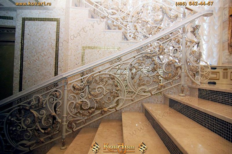 лестницы цвета фото белого кованые